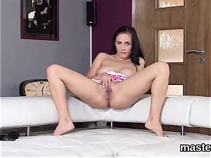 Flirty czech woman gapes her raw snatch to the strange