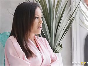 killer Kaylani Lei in crimson leathers