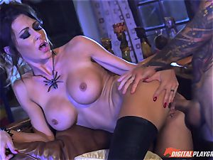 Halloween off the hook with super-sexy Jessica Jaymes gobbling her reward