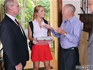 South ginormous cupcakes Frannkie And The gang Tag crew A Door To Door Saleswoman