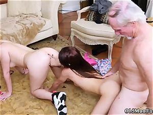 casting shy dark haired anal Maximas Errectis