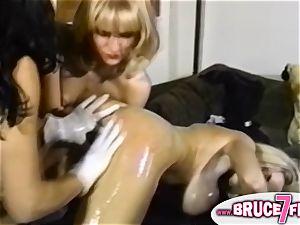 Nineties lesbos fucktoy butt