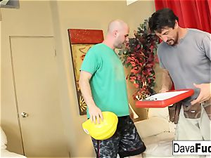 Dava and Ava smash their handymen