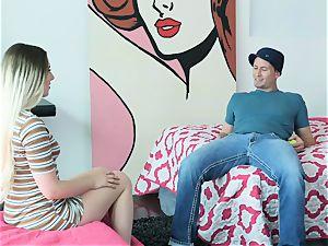 Nikki Snow seduces hung Bill Bailey into her cootchie