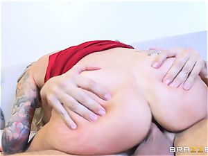 Synthia Fixx plumbed hard by Keiran Lee