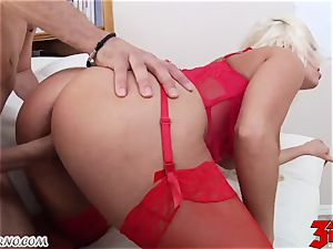 blondie Britney Amber with bubble breasts inhales a large rod