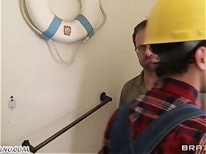 employee tears up his buxomy customer Ava Addams