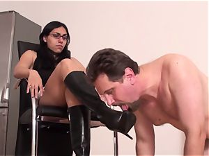 female domination nymphs order gimps to lick their shoes