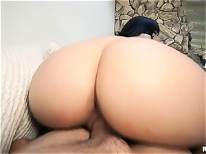 black-haired Violet Starr cheating on her blind hubby