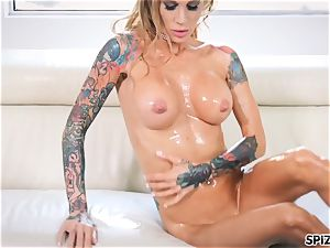Spizoo- Sarah Jessie lubricant up and get pulverized by a enormous sausage