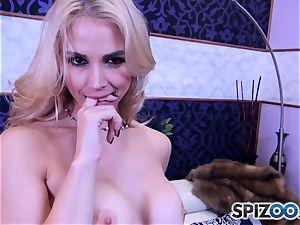 Sarah Vandella gargling and pummeling a thick chisel