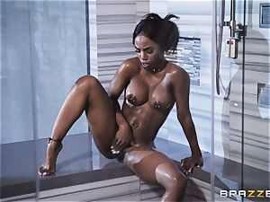 black babe Sarah Banks slurps up the fuckpole of dangled thief