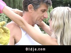 Gina Gerson gets anal invasion from an senior man