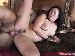 London Keyes porked in her appetizing labia pudding by the anchor man