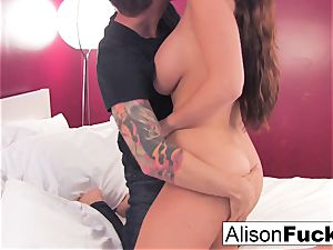 Alison gets her cunt boinked