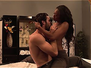 Evanni Solei gets a molten nailing massage