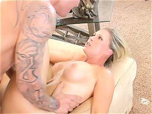 Devon Lee babe getting mans sperm split in her jaws