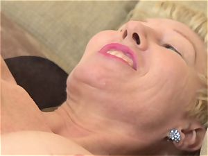 Mature muff finger-tickling solo with Dalgny Marga