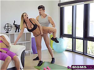 daughter-in-law slurps Step-Moms jizm filled gash S7:E5