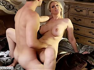 fellow pummels his super-naughty girlfriend jaw-dropping mature mommy