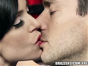 Brazzers - Kendra passion takes what she wants