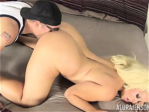 Lusty blonde bombshell Alura Jenson pussy thrashed by the gardener