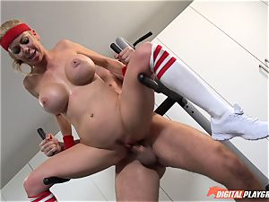 warm cougar Alexis Fawx sucking manstick at the gym