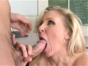 Julia Ann is a xxx cougar who wants to put her vag on a stiff man rod