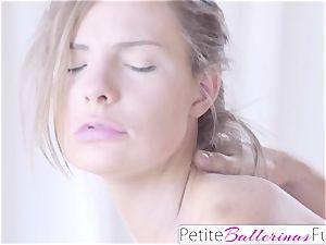 fledgling Shyla Ryder first Time internal cumshot