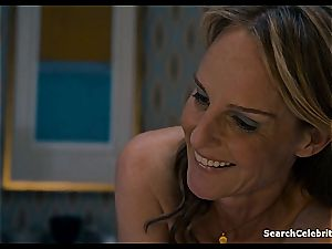 Heavenly Helen Hunt has a clean-shaved cooter for viewing