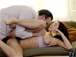 Karlee Grey astonished With super-hot hook-up While On Phone S5:E9