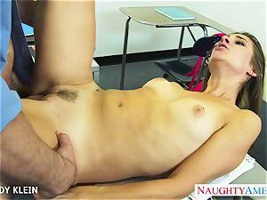 brown-haired schoolgirl Cassidy Klein bang prick