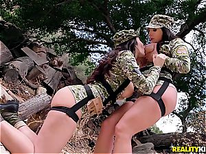 Cock-starved soldier babes get their pack