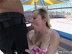 tight bod milf takes it in the bootie at public park
